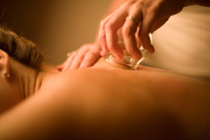 massage_cupping_theupperhanddayspa